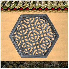砖雕挂件六角透窗