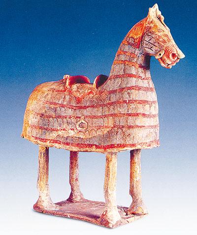 陕西平陵十六国墓出土彩绘陶具装马