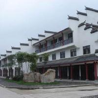 青瓦白墙的徽派建筑