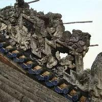 中国传统建筑灰塑技艺,添加了糯米粉和红糖,可经百年风雨