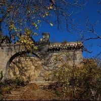 禅岩寺地势险堪比恒山悬空寺